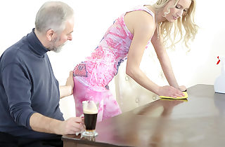 Old goes young dude makes Polina want him badly by sucking her mammories